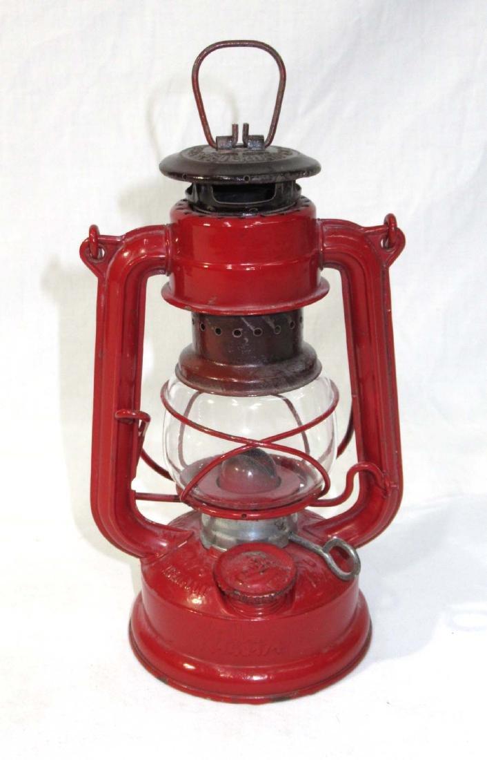 Miniature Feuer Hand Kerosene Lantern - 2
