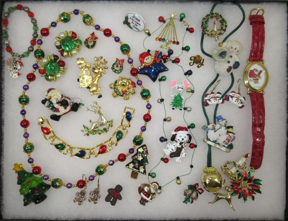 FUN, Images of Christmas Jewelry. 32pc