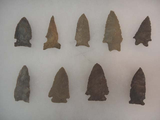 2: Lot of 9 Archaic Points