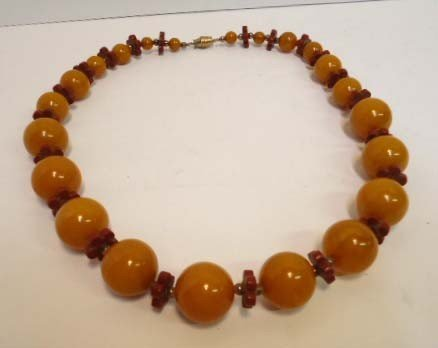 6: Catalin Bakelite Necklace - 3
