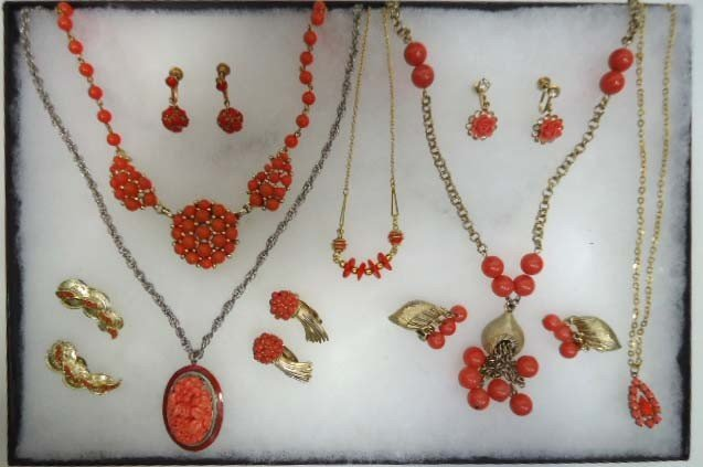 15: Faux Coral Lucite Jewelry Lot