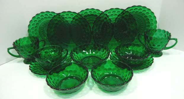 305: 14pc Forest Green Bubble Depression Glass