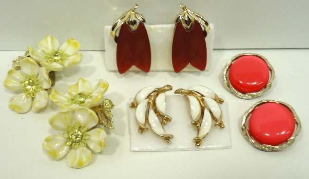 98: 12pr Vintage Lisner Earrings - 6