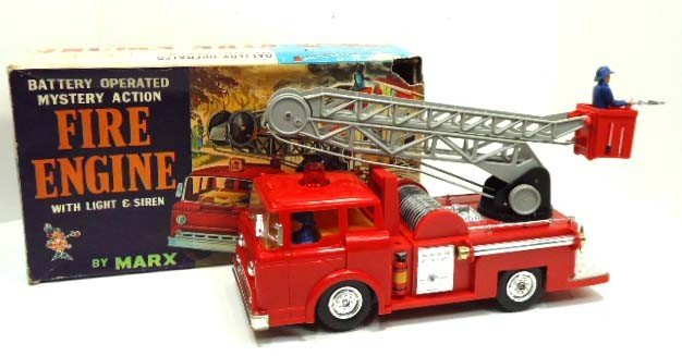10: Plastic Batt. Op Mystery Action Fire Engine