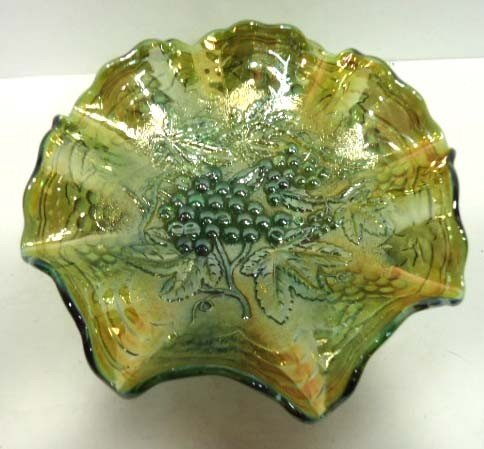 164: Green Carnival Glass Bowl