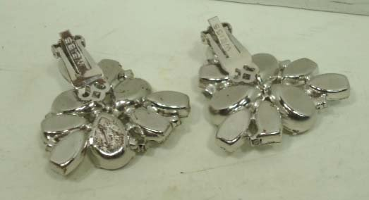 4: Vtg. Weiss Stacked Rhinstone. Brooch & Earrings - 7