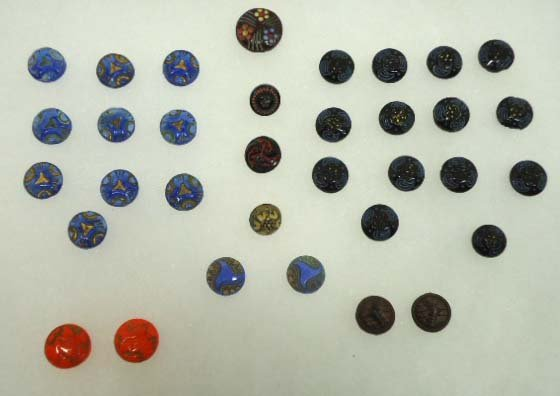 9: 2 Sets Diminutive Vict. Glass Buttons