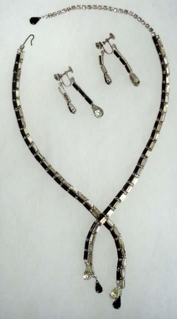 20: Blk & Clear Rhin Vtg. Necklace & Earring Set