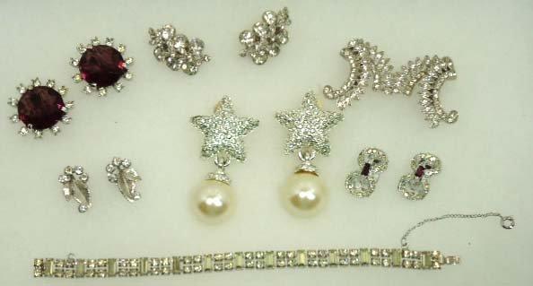 83: Beautiful Designer Sgnd Vtg. Rhin. Jewelry