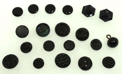 92: 20 Vtg. Black Glass Vict. Buttons