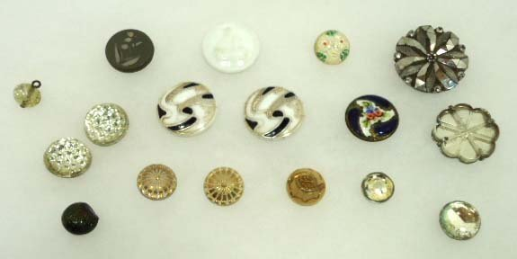 95: Various Vict. Buttons