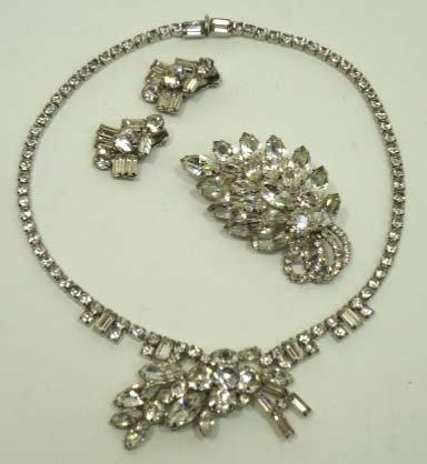 146: Lovely Vtg. Brooch, Earrings, & Necklace