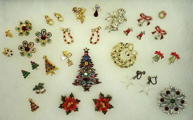 165: Vtg. Christmas Jewelry
