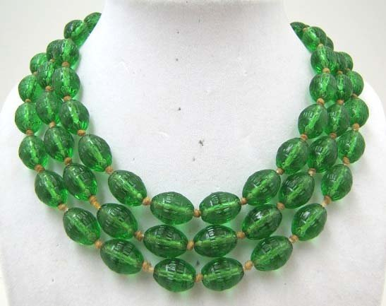 Vict Textured Grn Glass Bead Hand Tied Necklace