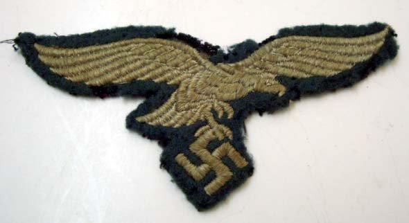 18: Nazi Luftwaffe Breast Buckle
