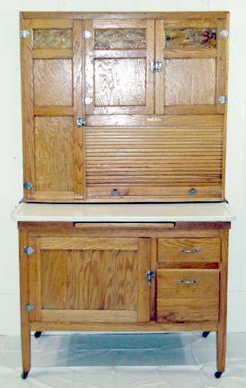 10A: Nappanee Oak Kitchen Cupboard