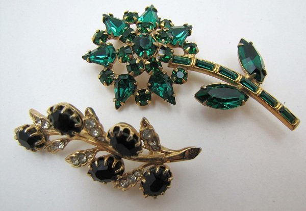 296: 2 Faceted Glass Floral Vtg Pin's