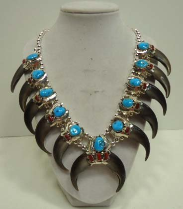 153: Navajo Sterling Bear Claw Squash Necklace