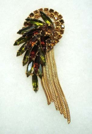 13: Beautiful Olive/ Amber Navette Vintage Brooch
