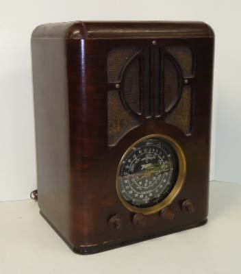 10C: Zenith Table Mdl 6-S-229 Radio