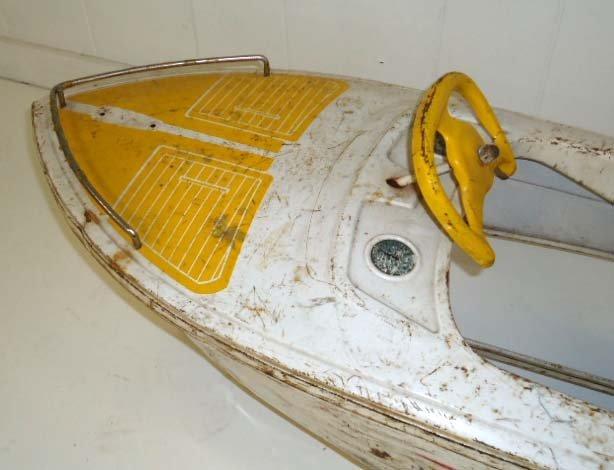 211: Skipper Pedal Boat - 4