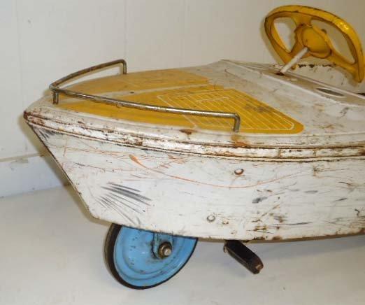 211: Skipper Pedal Boat - 7