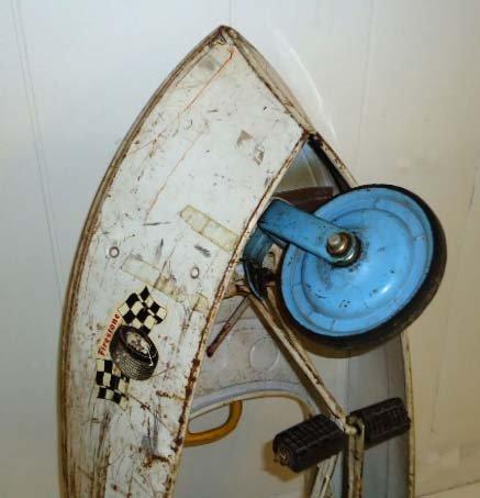211: Skipper Pedal Boat - 9