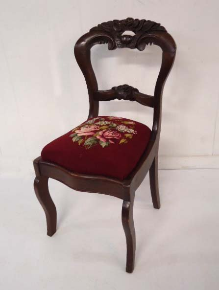 Vict. Chair Needlepoint Seat