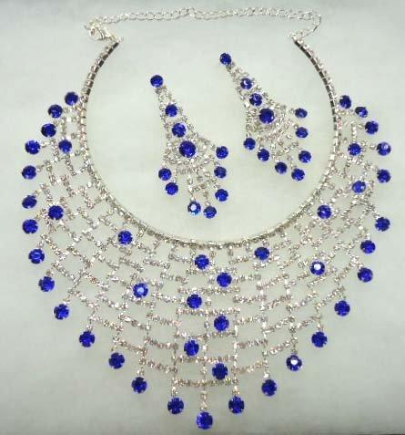 Costume Jewelry Necklace & Earrings