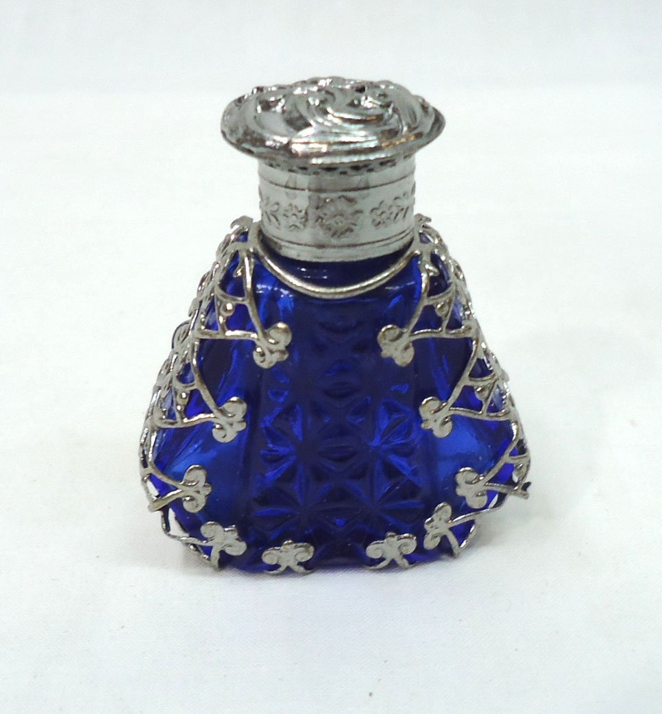 Ornate Cobalt Per Perfume Bottle - 3