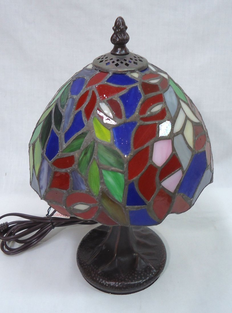 Leaded Glass Boudoir Lamp - 4