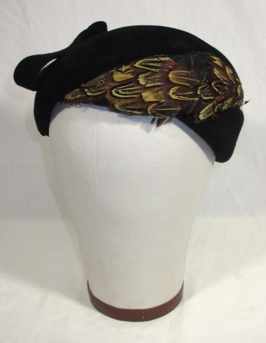40's Black Wool Felt Beret with Pheasant Feathers