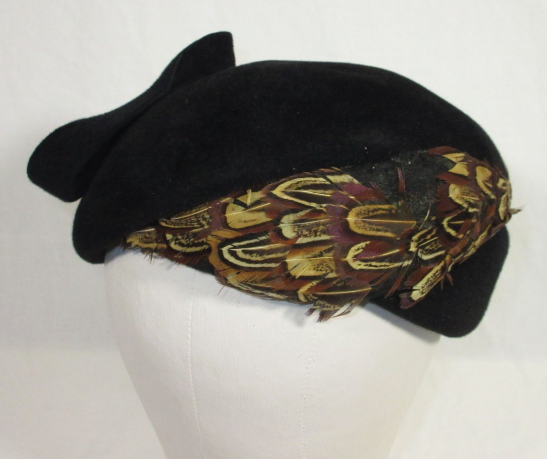40's Black Wool Felt Beret with Pheasant Feathers - 2