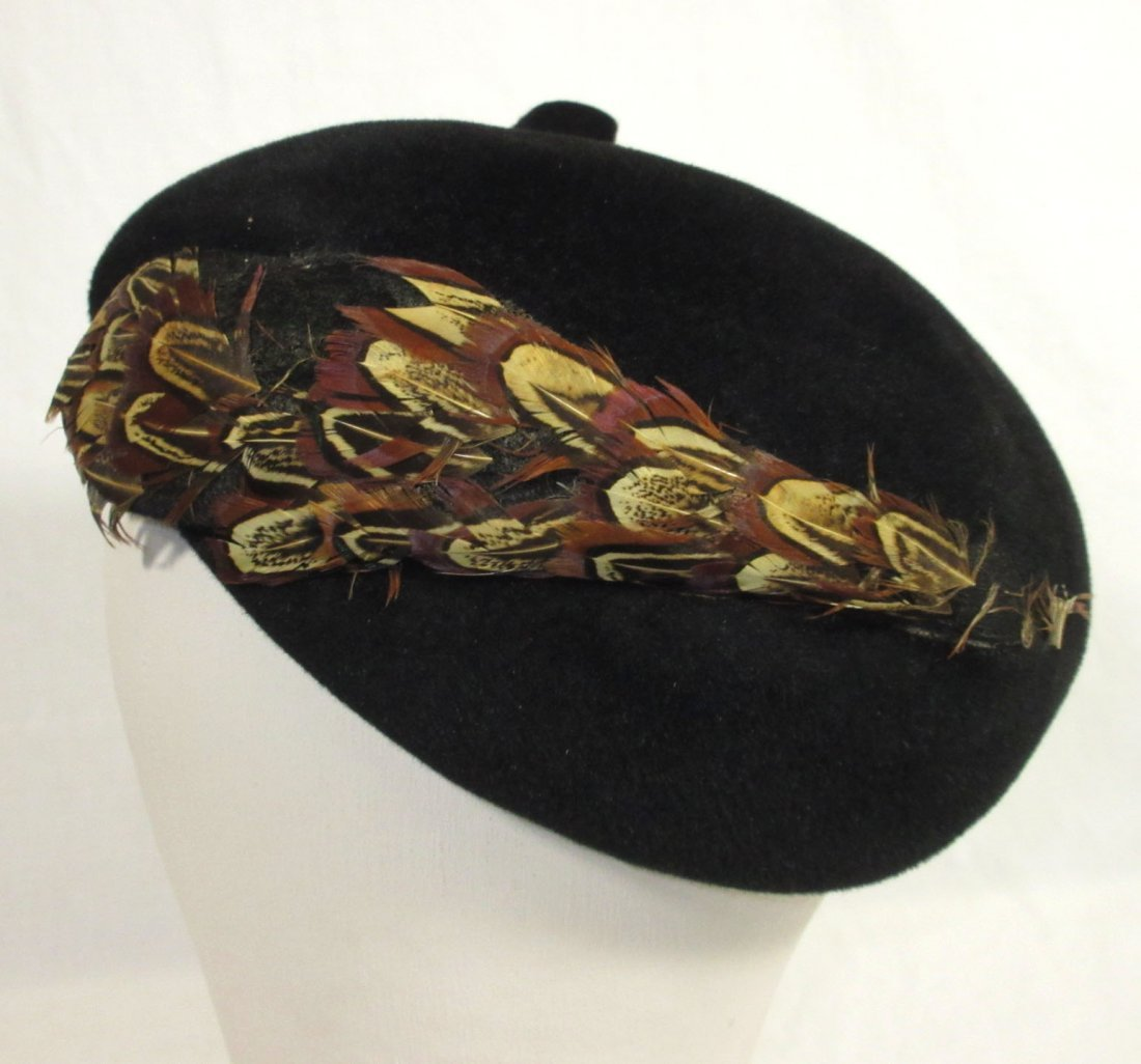 40's Black Wool Felt Beret with Pheasant Feathers - 3