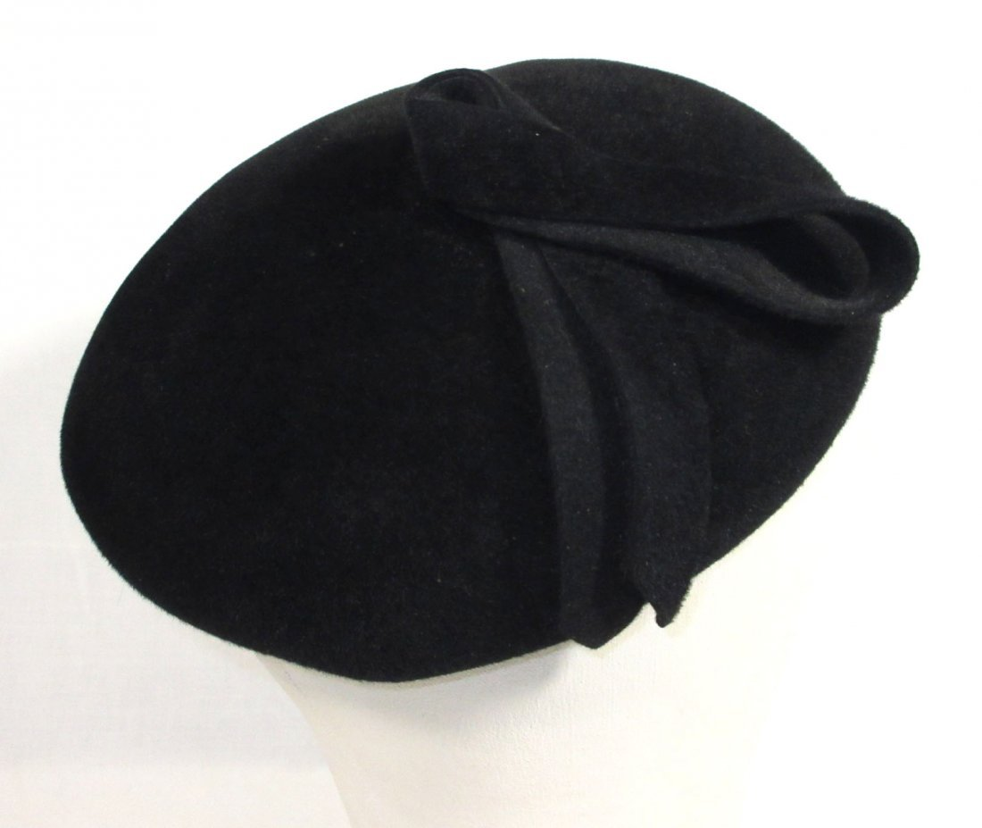 40's Black Wool Felt Beret with Pheasant Feathers - 5