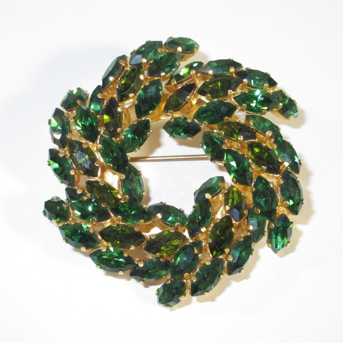 Stunning Austrian Emerald Glass Brooch - 2