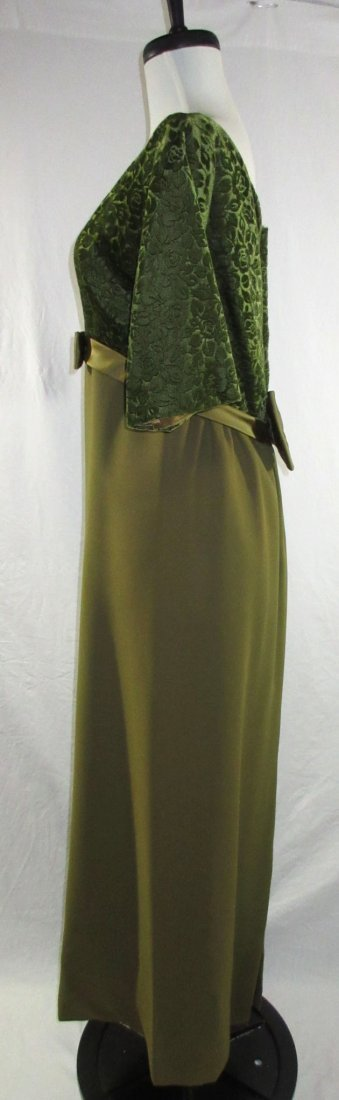 1960's Classic Brocade Velvet Evening Gown - 3