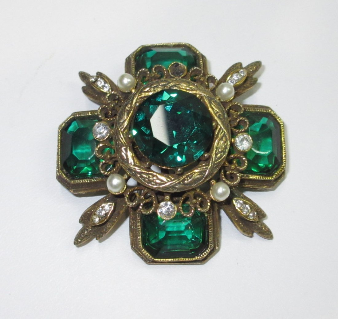 Capri Emerald Glass Maltese Cross Pin/Pendant - 2