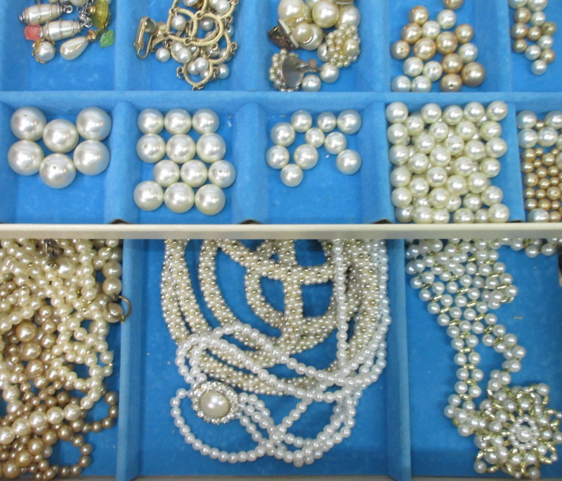 Vintage Jewelry Box of Faux Pearl Jewelry - 3