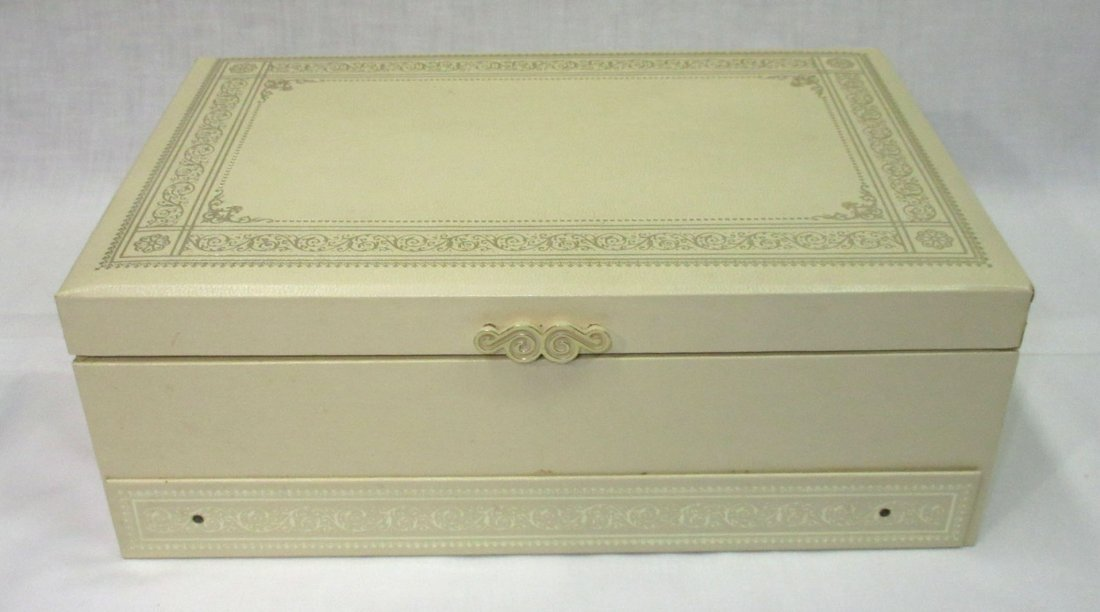 Vintage Jewelry Box of Faux Pearl Jewelry - 5