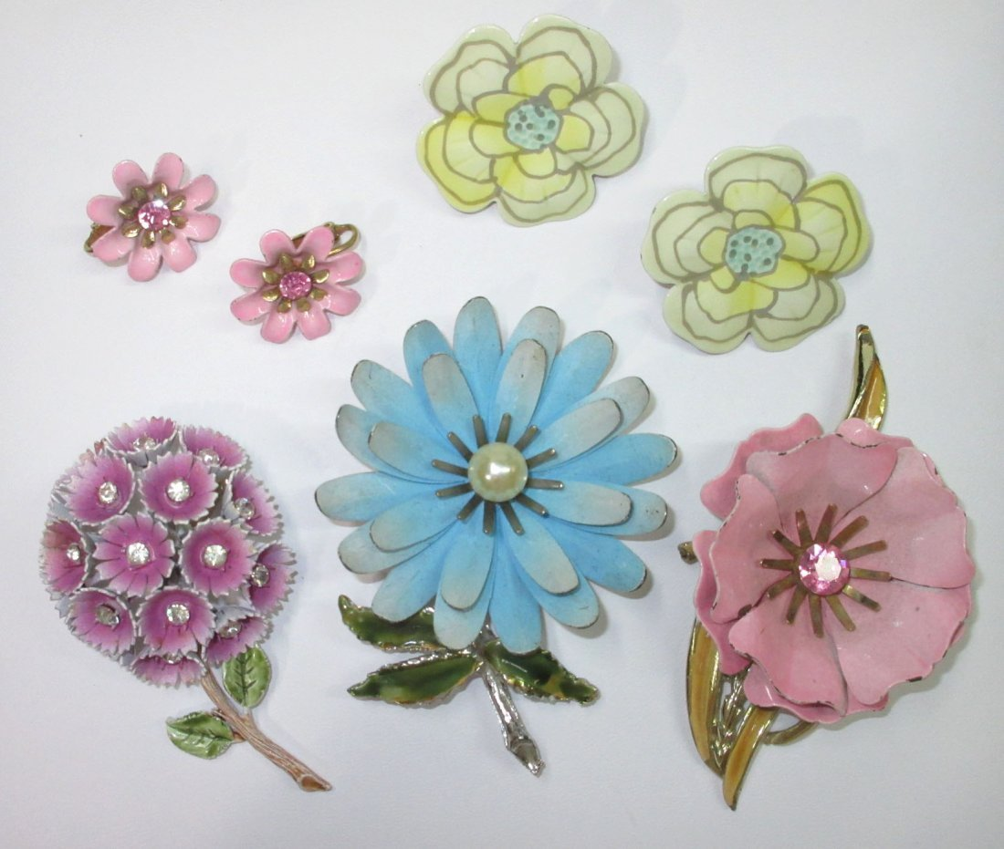 Coro Enameled Metal Flower Pin's & Earrings 5pc