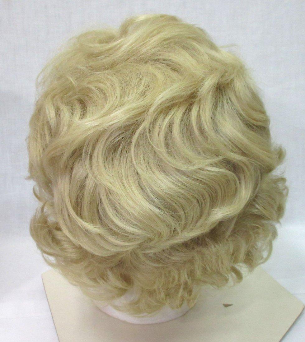 Vtg Modacrylic Fiber 70's Wig in Wig Box - 4