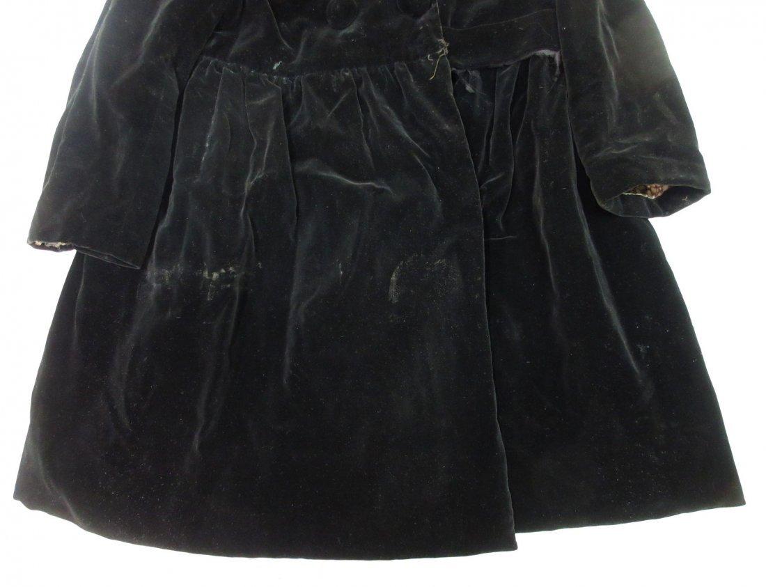 30's or 40's Black Velvet Child's Coat - 3