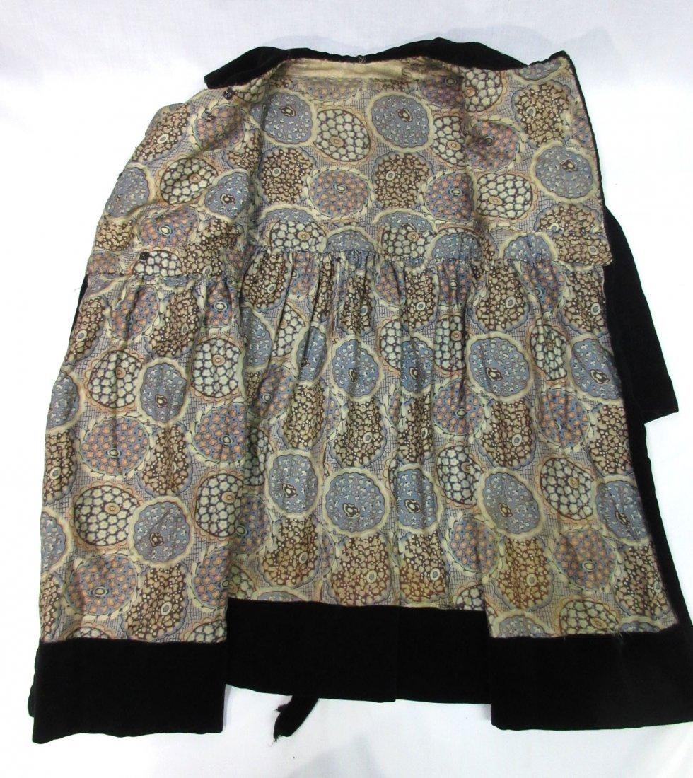 30's or 40's Black Velvet Child's Coat - 4