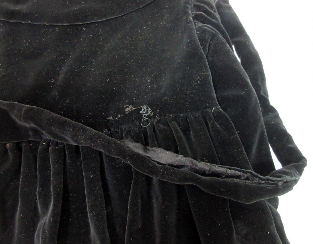 30's or 40's Black Velvet Child's Coat - 7