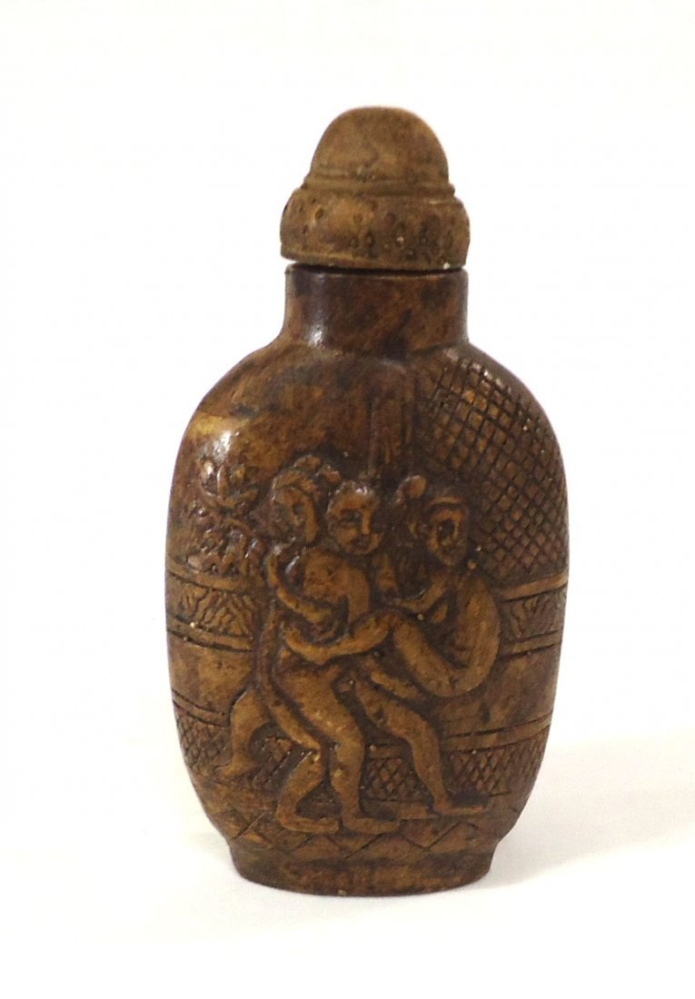 Oriental Erotic Snuff Bottle
