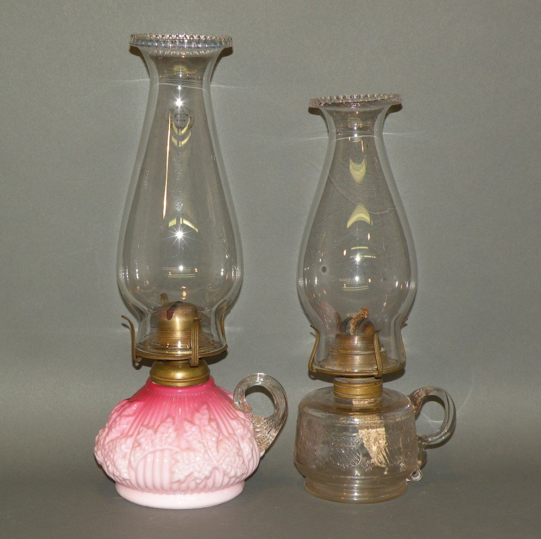 115: 2 kerosene lamps