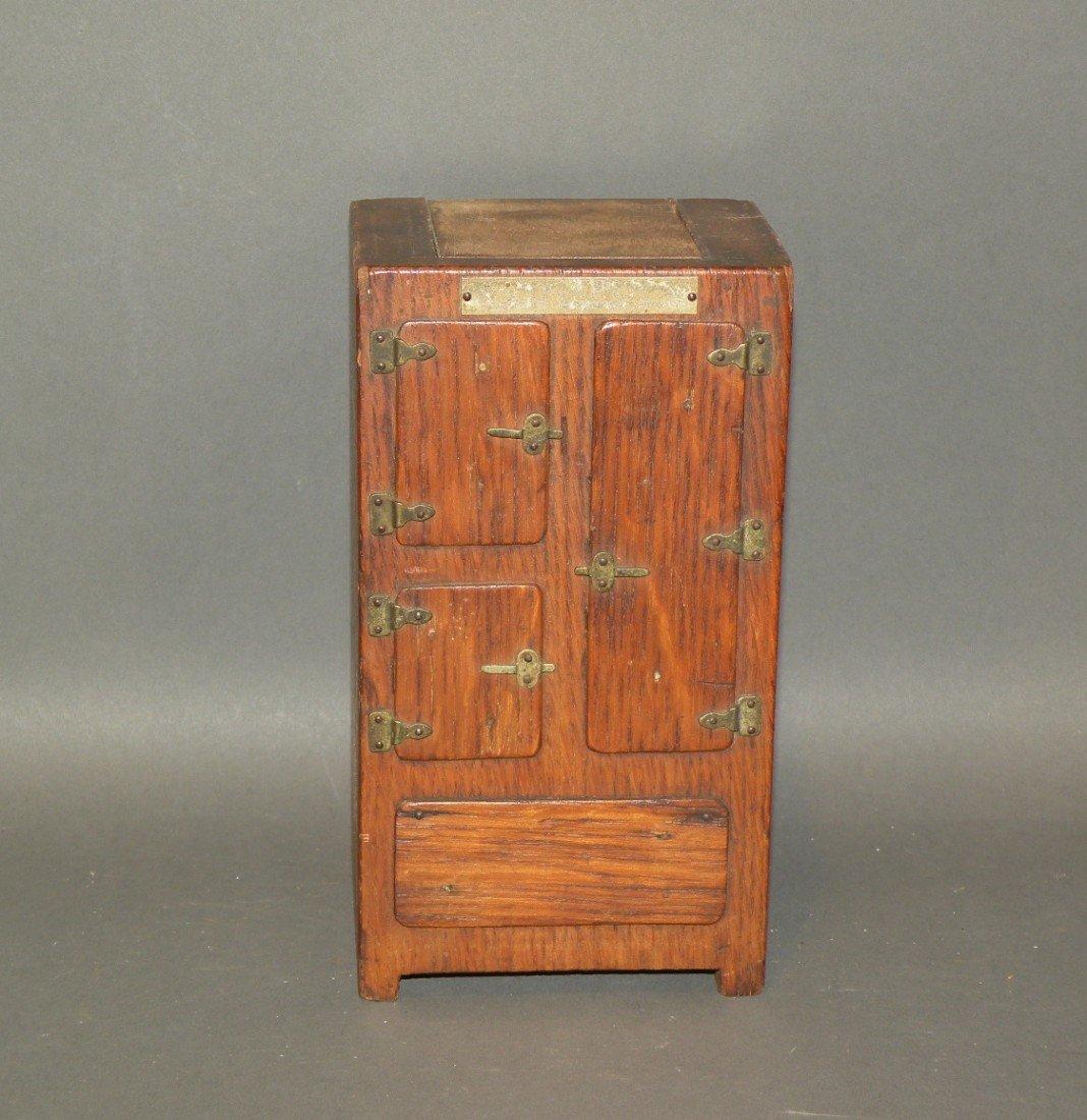 381: Oak Frigidaire sample ice box