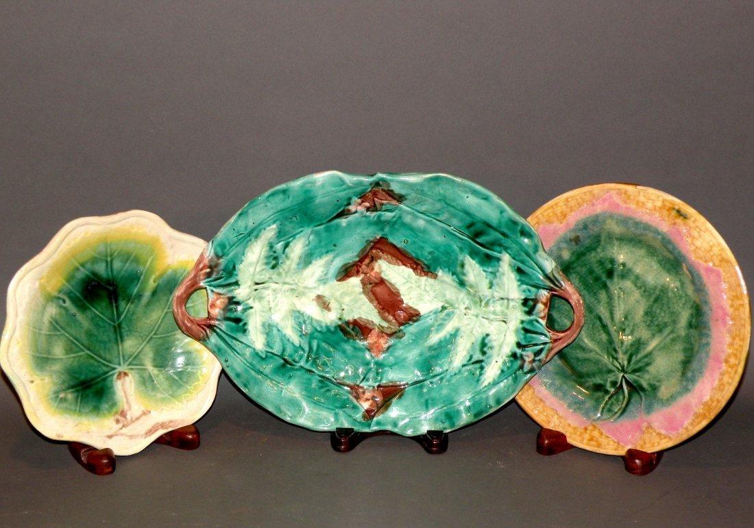 395: 3 Majolica leaf plates