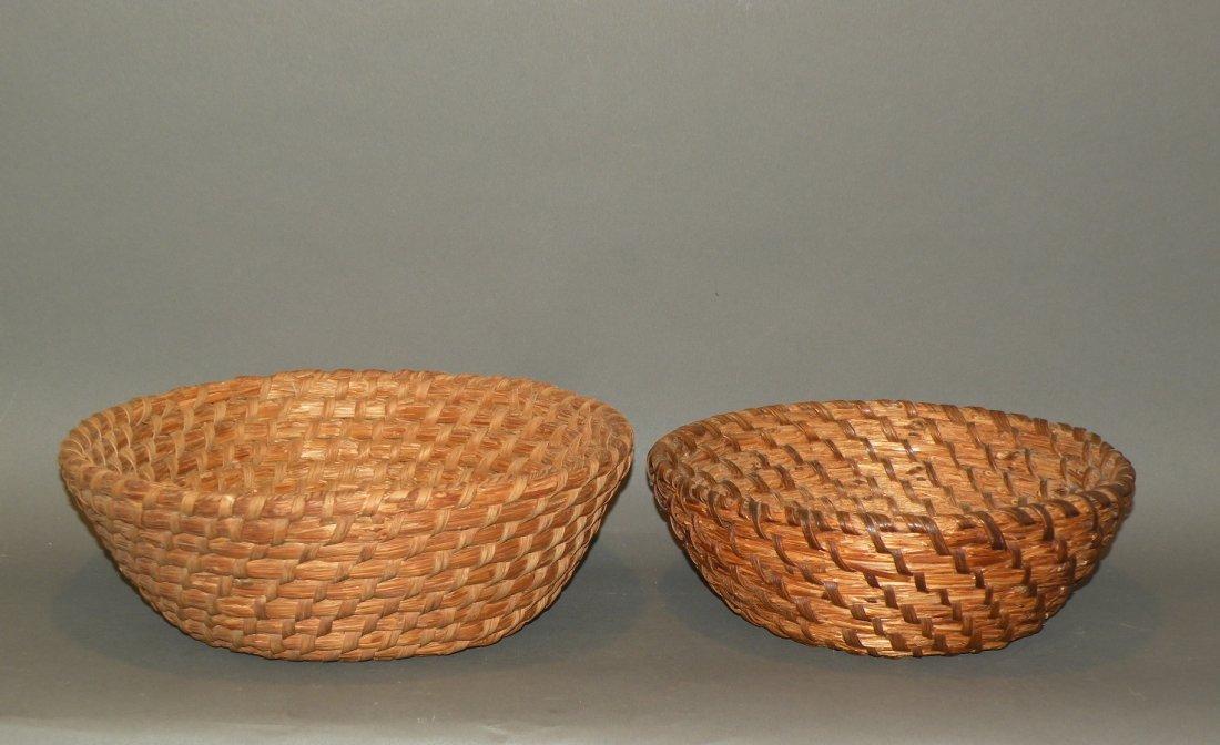 518: 2 rye straw baskets